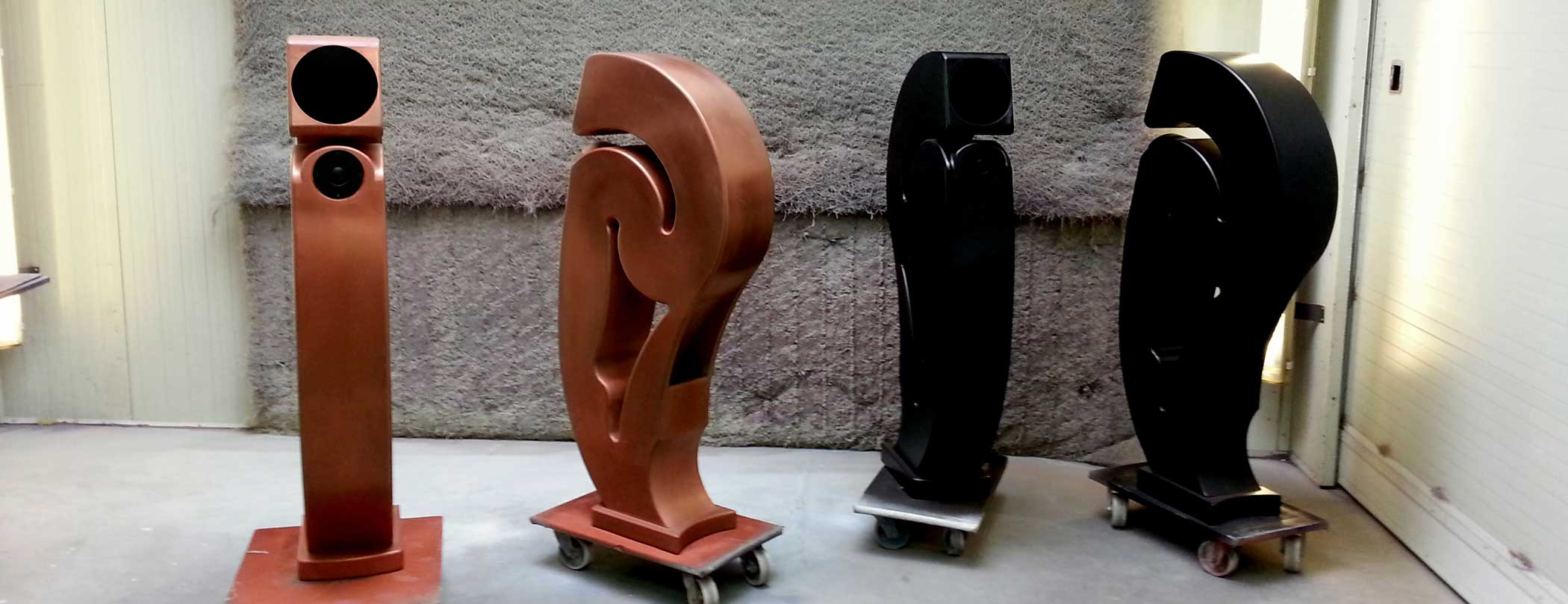 The true copper speakers, and the matte black speakers from Scheek are just finished.